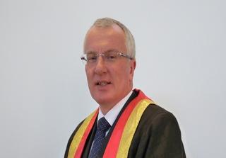Mr Michael Elliott